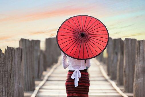 ベトナム人と結婚する前におさえておきたいポイントをご紹介します。